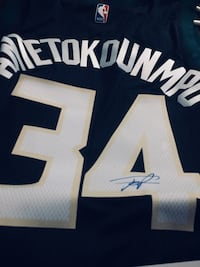 Giannis signed jersey  Bloomfield, 53147