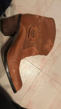 pair of brown suede cowboy boots New Park, 17352