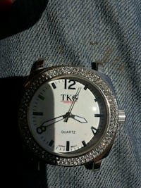 round silver-colored analog watch new needs bandl Edmonton, T5G 0E4