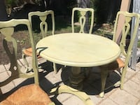 table with 4 matching chairs San Diego, 92117