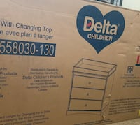 Delta dresser with changing top Columbus, 43204