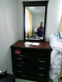 Dresser with mirror Palm Springs, 33461