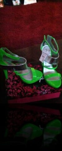 pair of green high heeled sandals Salisbury, 21801