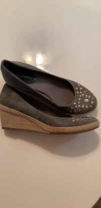 pair of black leather flats San Diego, 92119