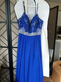 Ball gown 745 km