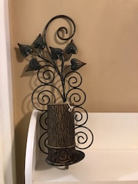 Wall decorative with candle both 10$ firm Toronto, M6M