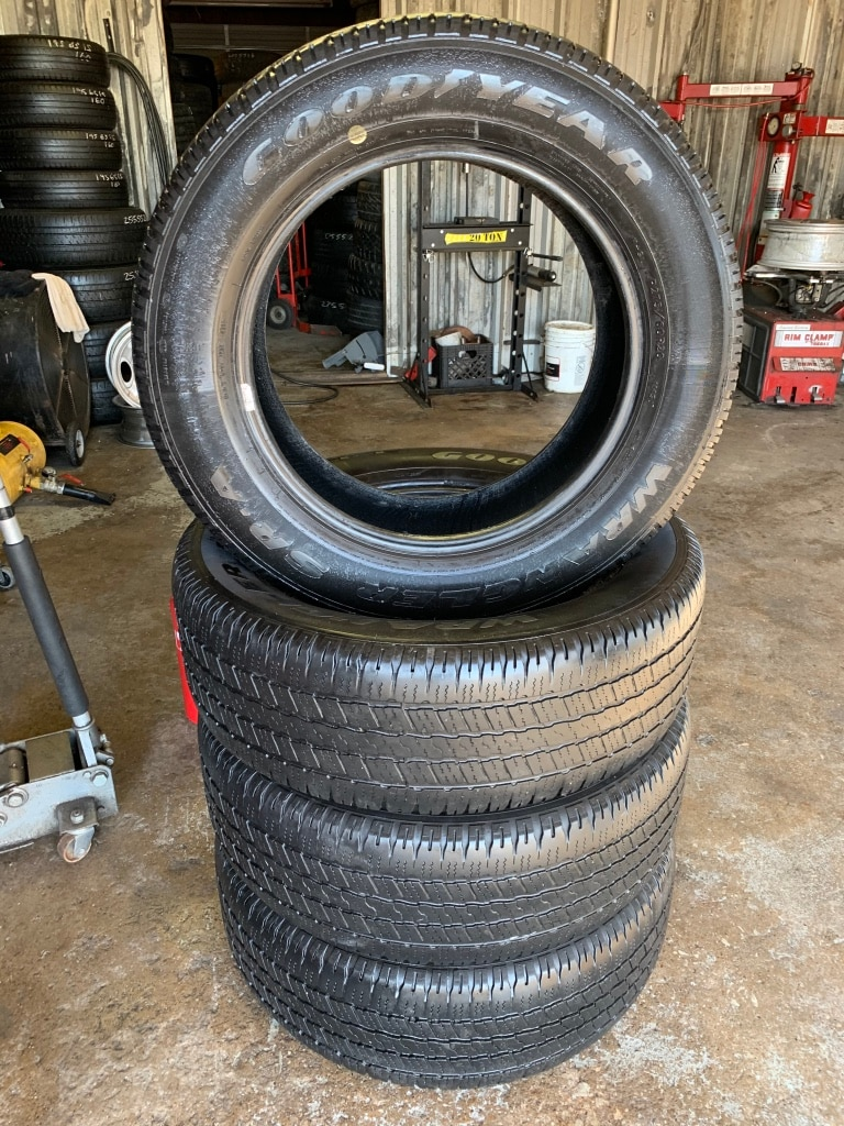 Photo 20 INCH TIRE 275/60R20 GOODYEAR WRANGLER SR-A