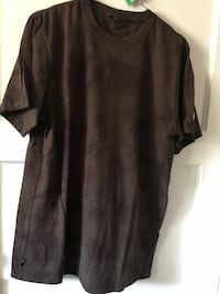 black crew-neck t-shirt Ladera Heights