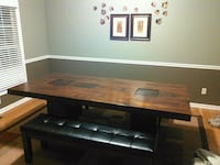 Dining room table and benches Elyria, 44035