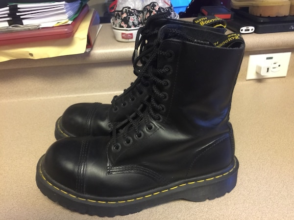becc5115 Used PreOwned Doc Martens Black 10-Eye Cap Steel Toe Boots UK 8 US Men's  Size 9. In good condition for sale in Waipahu - letgo