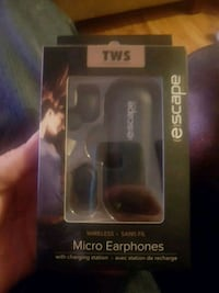 Earbuds  4hours continuous play Abbotsford, V2S 5A1