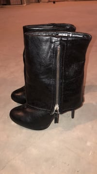 Boots size 6  3155 km