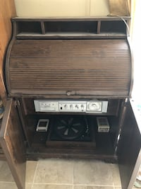Phonograph and 8 track