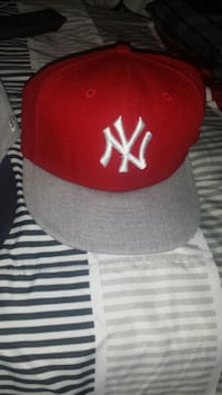 red and white New York Yankees cap Dover, 19901