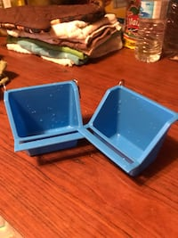 blue and white plastic containers Lancaster, 75134