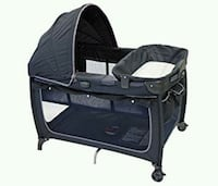 eddie bauer playpen / change table with canopy Maple Ridge, V2X 1K7