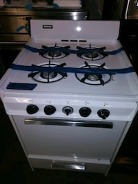 """Tappan gas stove 24""""Working perfectly Baltimore, 21223"""