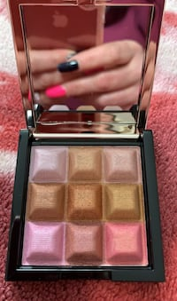 Avon touch & glow shimmer cubes all over face palette  Barrie, L4N 5A4