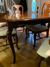 Elegant Dining set with 6 chairs and matching China Hutch, made in Germany. Pasadena, 21122