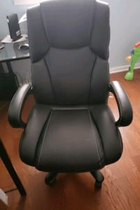 black leather office rolling chair Clinton, 20735