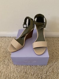 Women's sandals  size 8'5 Canyon Country, 91387