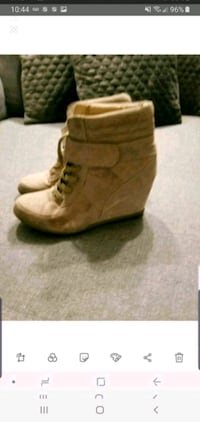 Boot Winter size 9