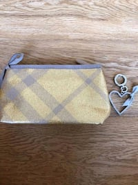 Burberry make up bag Vaughan, L4L 1G8