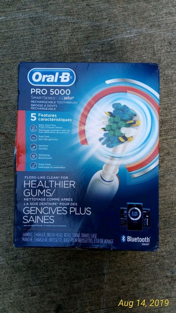 Oral b Bluetooth electric toothbrush d4564ee9-abae-4e3d-8e02-49c692ed3b47