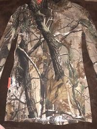 Kids camo pants and thermal size  Lindenhurst, 60046