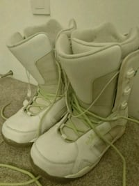 Woman size8/Snowboard boots Vancouver, V6J 1M2