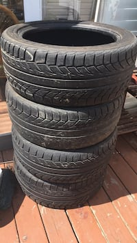 Set of tires with wheels