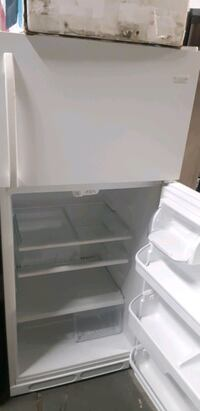 TOP AND BOTTOM FRIDGE WORKS PERFECTLY  Baltimore, 21223