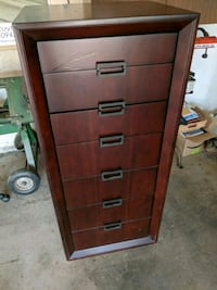 Chest of drawers Riverside, 92504