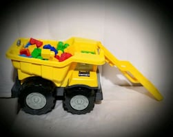 Kids Tonka Truck with Blocks