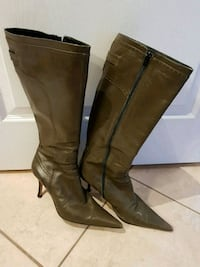 Bottes couleur kaki made in Italy value 300$ Laval, H7W 0G1