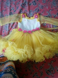 girl's yellow mesh long-sleeve tutu dress2 to 3yrs Toronto, M1K