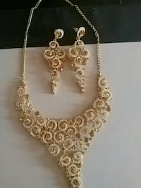 gold-colored chain necklace Markham, L3S 4T5