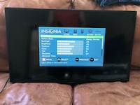 "Insignia 32"" 1080p LED TV Chicago, 60647"