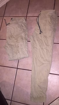 Joggers (Boys) American Eagle Sz Medium 10$ for Both Laredo, 78043