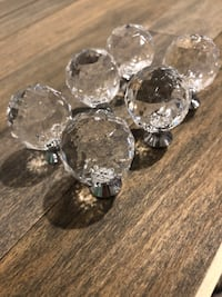 6 clear faceted acrylic round cabinet knobs