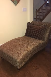 Chaise Lounge & Pillow