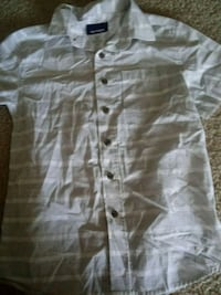 gray and white button-up shirt 48 km