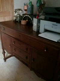 brown wooden dresser with mirror Sainte-Marthe-sur-le-Lac, J0N