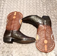 Botas Aguila Real boots paid $295 size 10.5 Cowboy boots. Excellent condition! Full Quill Ostrich Skins. Handmade Well crafted cowboy boots.   Washington, 20002