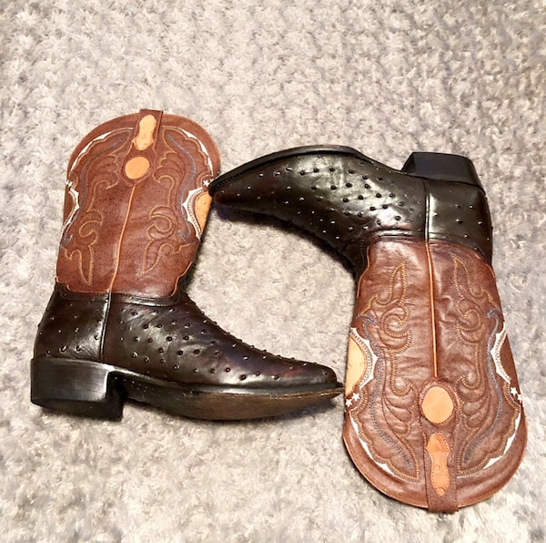 Botas Aguila Real boots paid $295 size 10.5 Cowboy boots. Excellent condition! Full Quill Ostrich Skins. Handmade Well crafted cowboy boots.