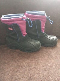 Girl's Size 2 Totes winter boots Williamsport, 17701