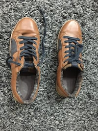 brown-and-black leather low-top sneakers NEWDELHI