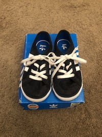 Toddler size 7 adidas Woodbridge, 22191