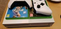 Xbox one s. Fifa 19. 2 controllers. Make offer  Bedford, MK40 4NG