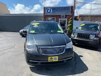 Chrysler - Town & Country - 2012 Beverly